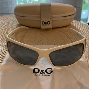 Dolce & Gabbana 8009 rectangle studded sunglasses